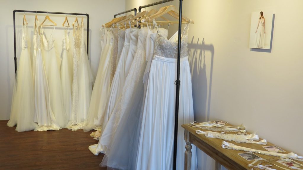 Truville wedding gowns nicki 39 s central west end guide for Wedding dress shops st louis mo