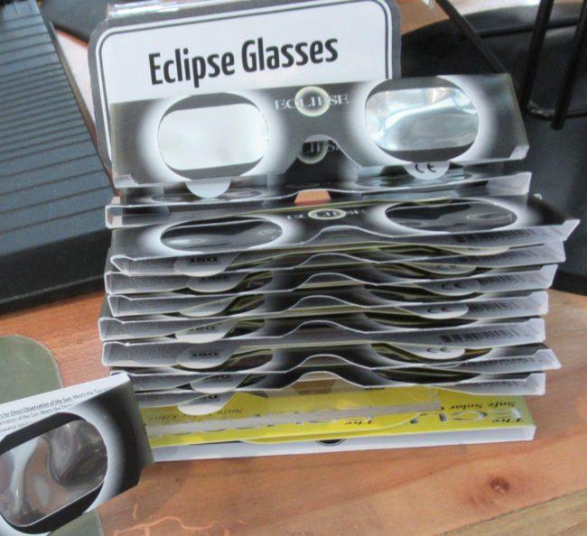 Nicki's Central West End Guide Events, Sightings For Children  The Eclipser Safe Solar Glasses Saint Louis Science Ceneter Left Bank Books