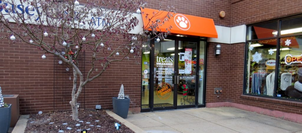 Nicki's Central West End Guide CWE Pets Shop News  Treats Unleashed St. Louis MO Fresh Start pet food Central West End