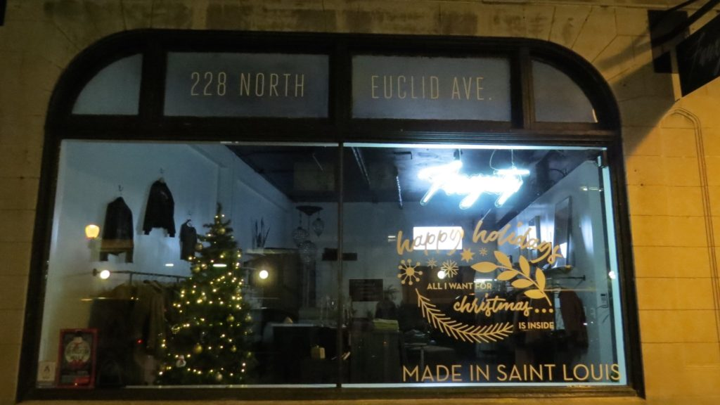 Nicki's Central West End Guide Shop News  The Cup St. Louis Q Boutique at World Chess Hall of Fame Left Bank Books Fauxgerty Central West End Cassie's