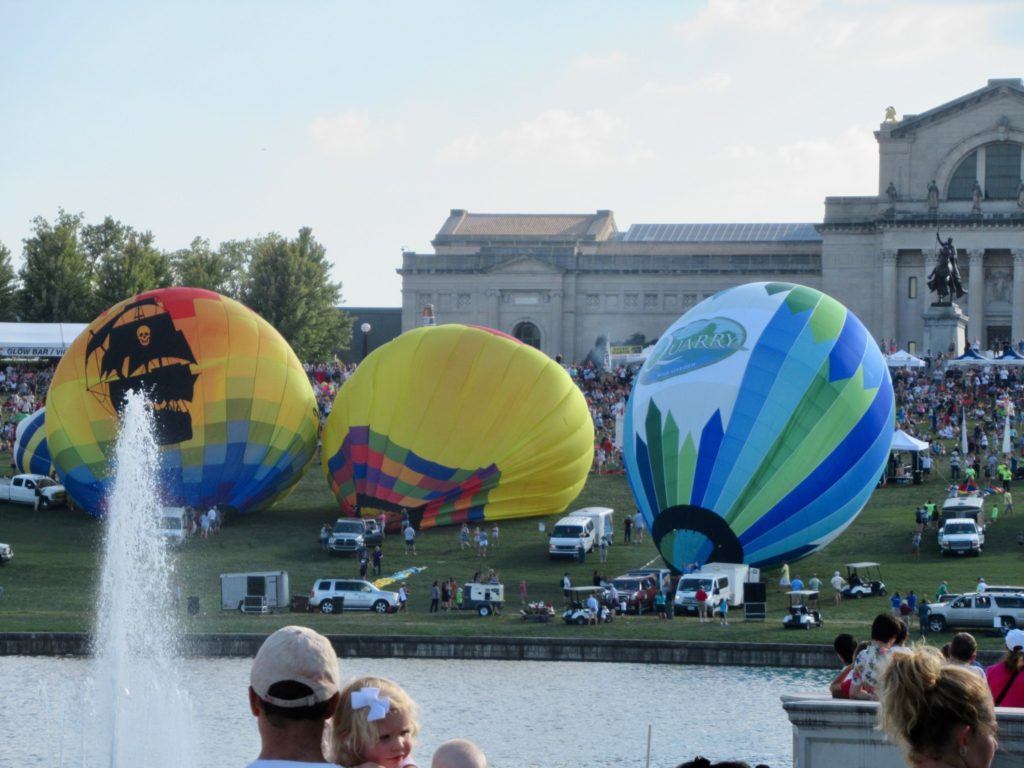 Nicki's Central West End Guide Events, Sightings Forest Park  PNC Bank John Marlow Great Forest Park Balloon Race Forest Park Art Hill