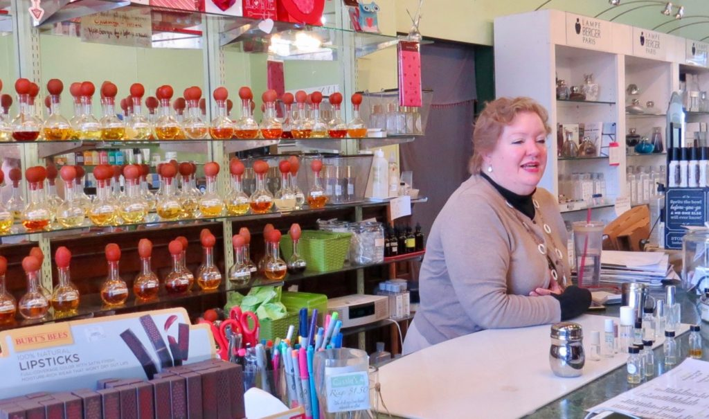 Nicki's Central West End Guide Shop News  Central West End Cassie's Scents Cassie Buehl