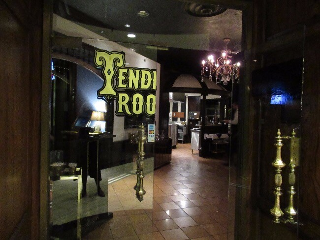 Nicki's Central West End Guide Art & Architecture Shop News  Tenderloin Room Kendra Scott Ian Froeb Bob Brazell Bluemercury AG Jeans AC Hotel by Marriott